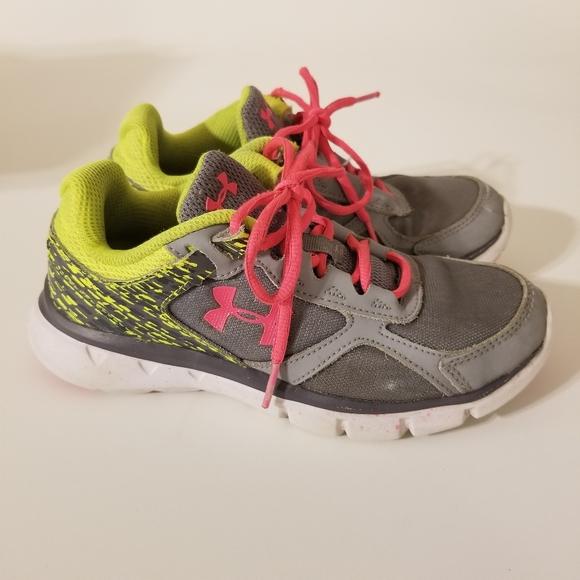 under armour kids tennis shoes